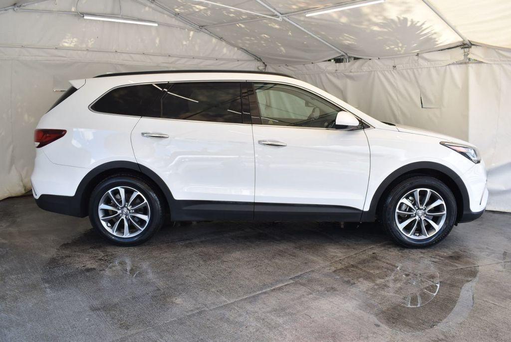 2017 Hyundai Santa Fe Limited 3.3L Automatic - 18093580 - 12