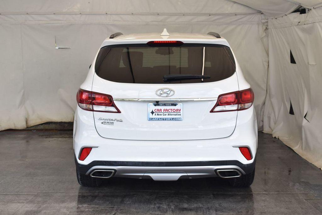 2017 Hyundai Santa Fe Limited 3.3L Automatic - 18093580 - 17