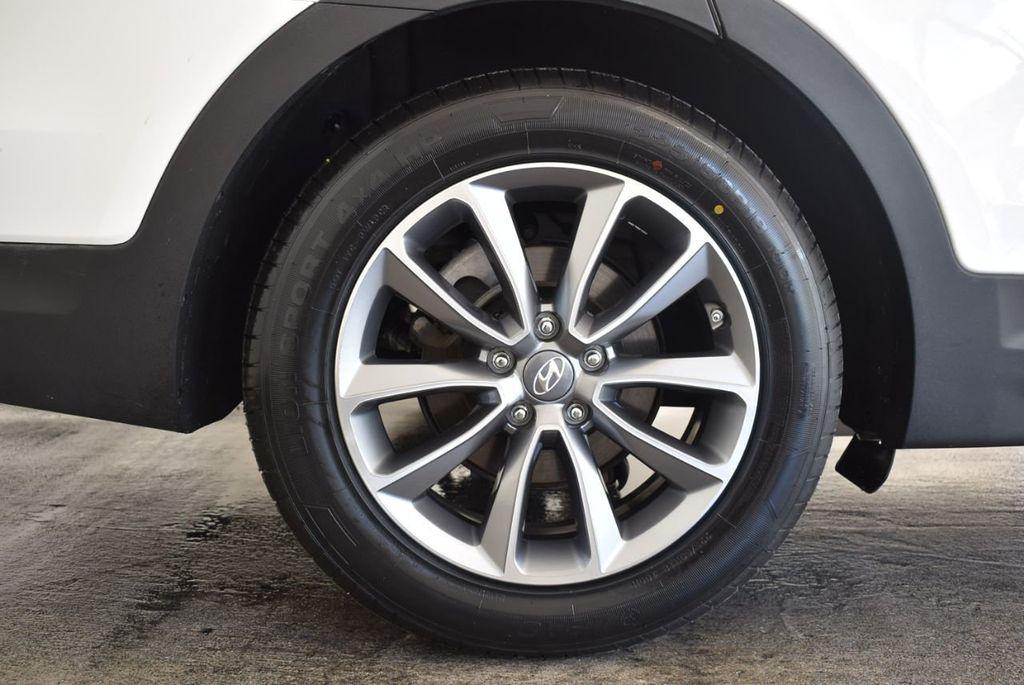 2017 Hyundai Santa Fe Limited 3.3L Automatic - 18093580 - 19
