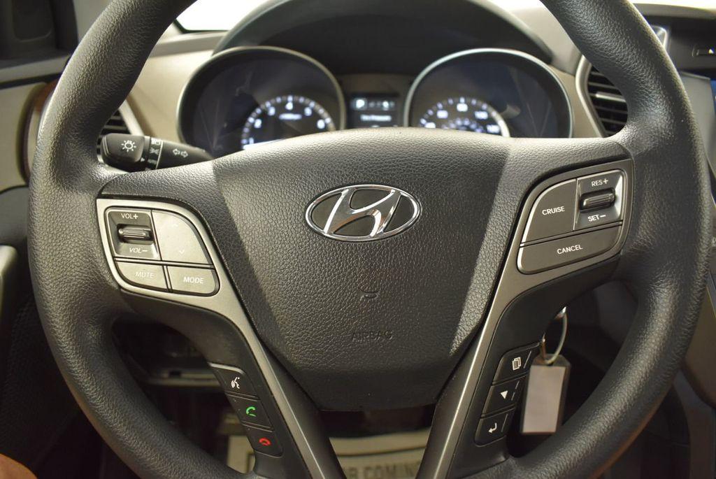 2017 Hyundai Santa Fe Limited 3.3L Automatic - 18093580 - 26