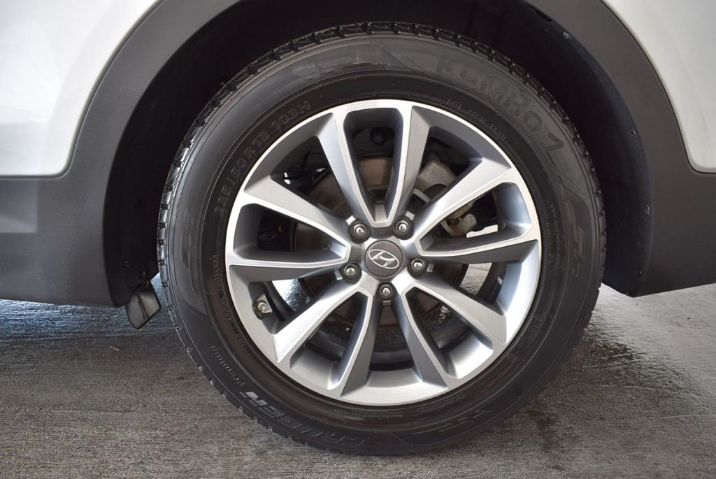 2017 Hyundai Santa Fe SE 3.3L Automatic - 17924954 - 10