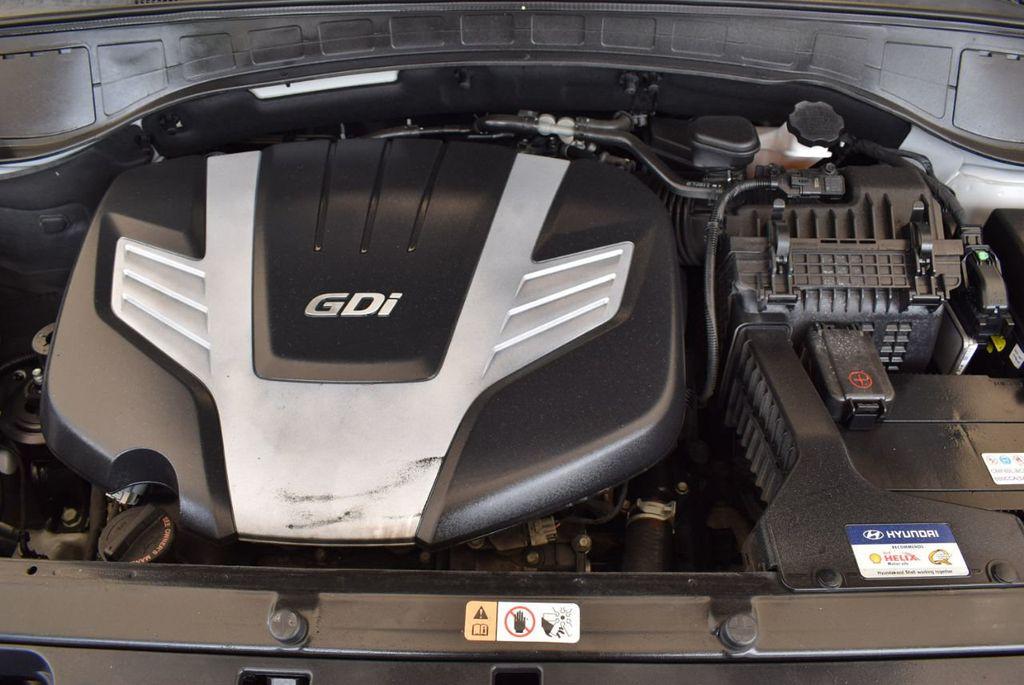 2017 Hyundai Santa Fe SE 3.3L Automatic - 17924954 - 26