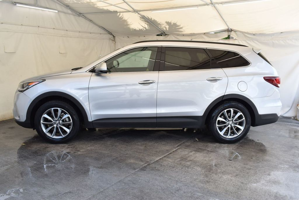 2017 Hyundai Santa Fe SE 3.3L Automatic - 17924954 - 4