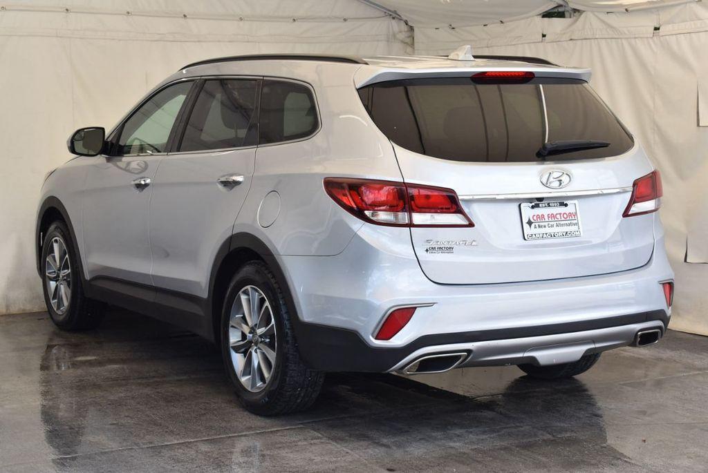 2017 Hyundai Santa Fe SE 3.3L Automatic - 17924954 - 5