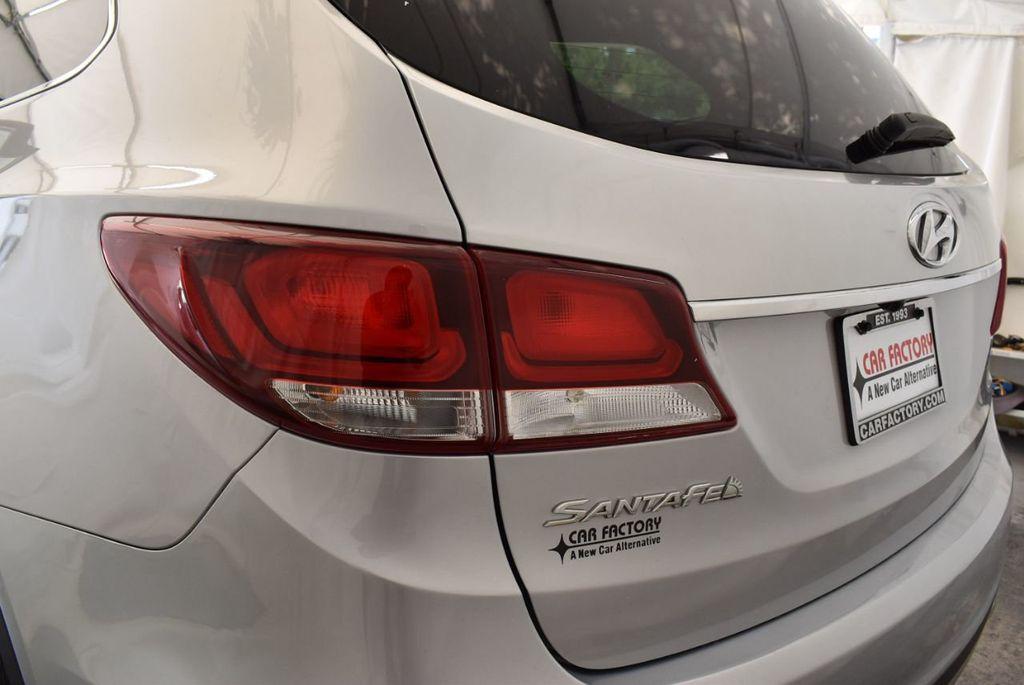 2017 Hyundai Santa Fe SE 3.3L Automatic - 17924954 - 6