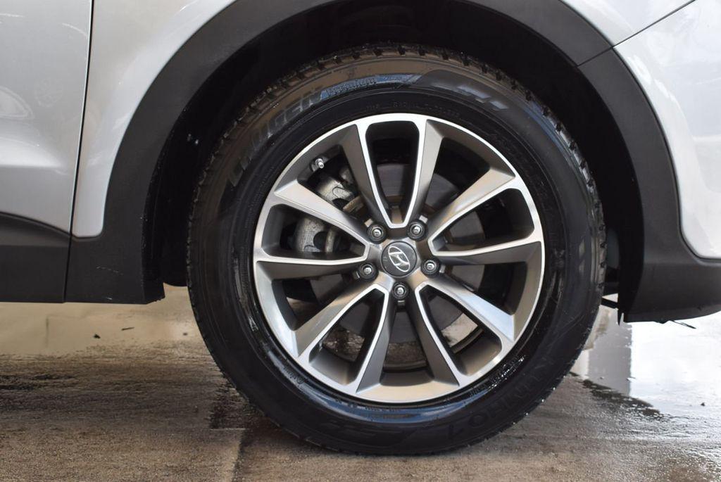 2017 Hyundai Santa Fe SE 3.3L Automatic - 17924954 - 8