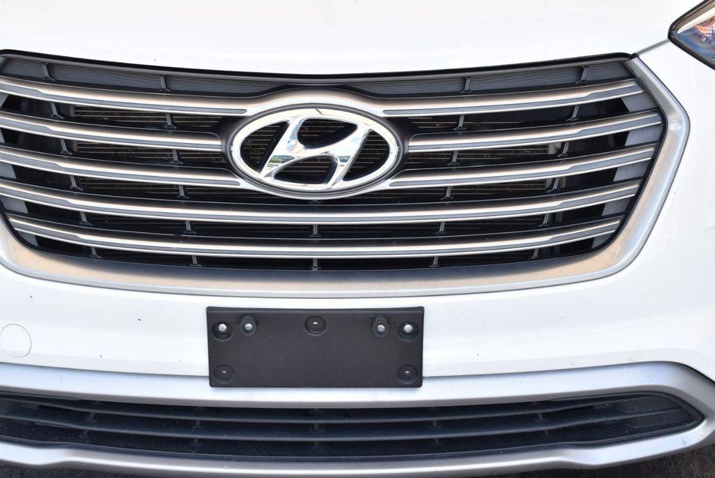 2017 Hyundai Santa Fe SE 3.3L Automatic - 17942445 - 2