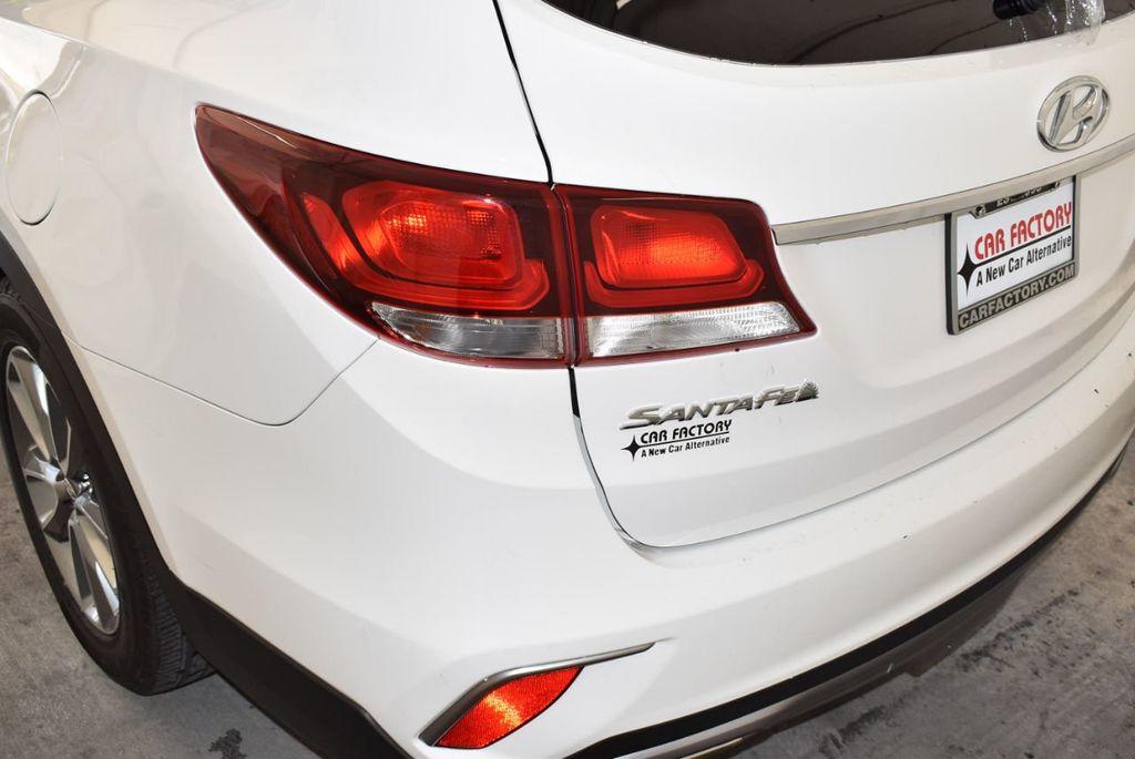 2017 Hyundai Santa Fe SE 3.3L Automatic - 17942445 - 6