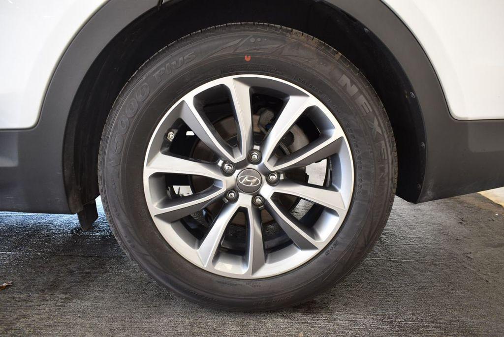 2017 Hyundai Santa Fe SE 3.3L Automatic - 18122115 - 10
