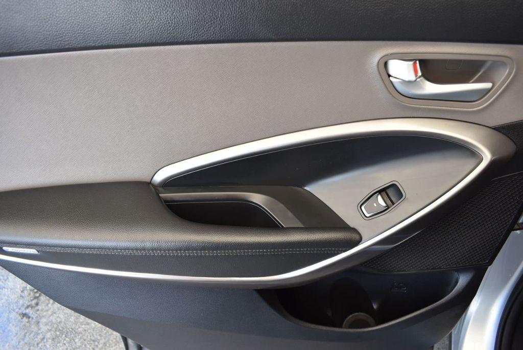2017 Hyundai Santa Fe SE 3.3L Automatic - 18122115 - 14