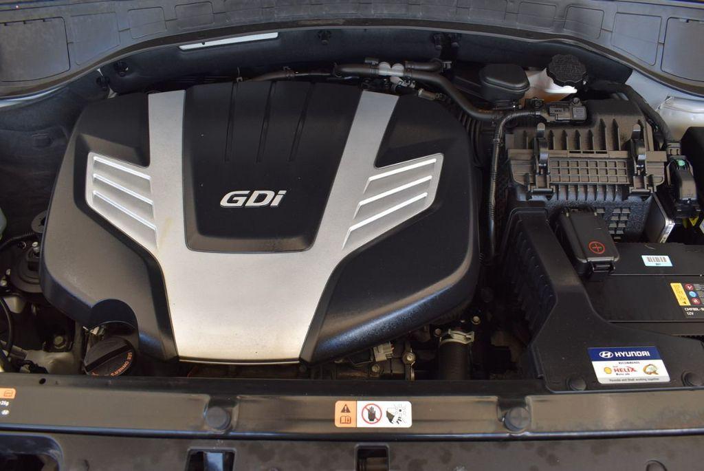 2017 Hyundai Santa Fe SE 3.3L Automatic - 18122115 - 27