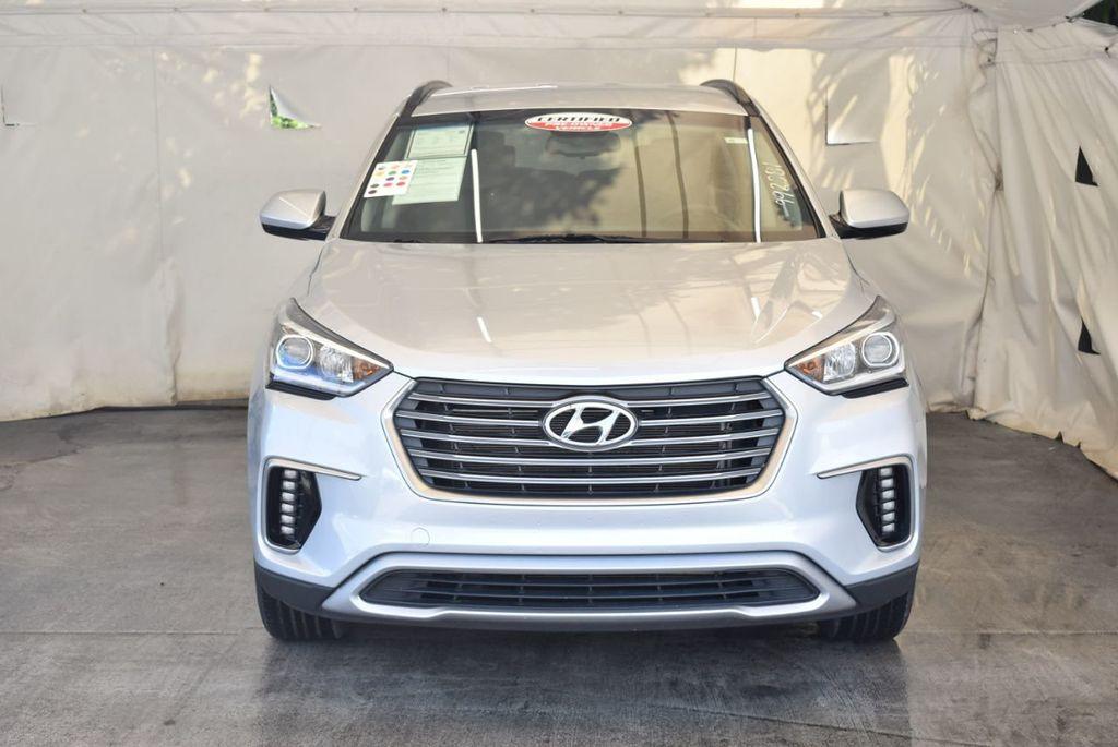 2017 Hyundai Santa Fe SE 3.3L Automatic - 18122115 - 3