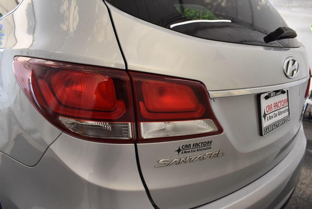 2017 Hyundai Santa Fe SE 3.3L Automatic - 18122115 - 6