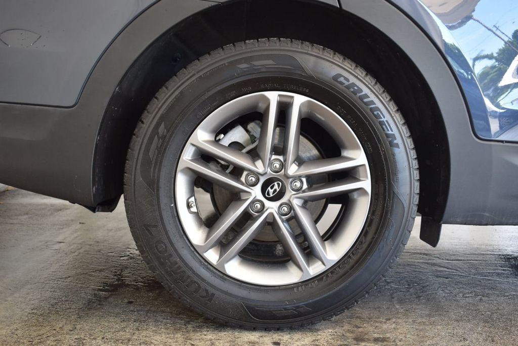 2017 Hyundai Santa Fe Sport 2.4L Automatic - 18093583 - 9