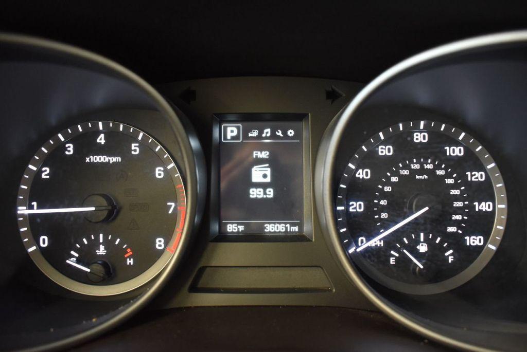2017 Hyundai Santa Fe Sport 2.4L Automatic - 18093583 - 16
