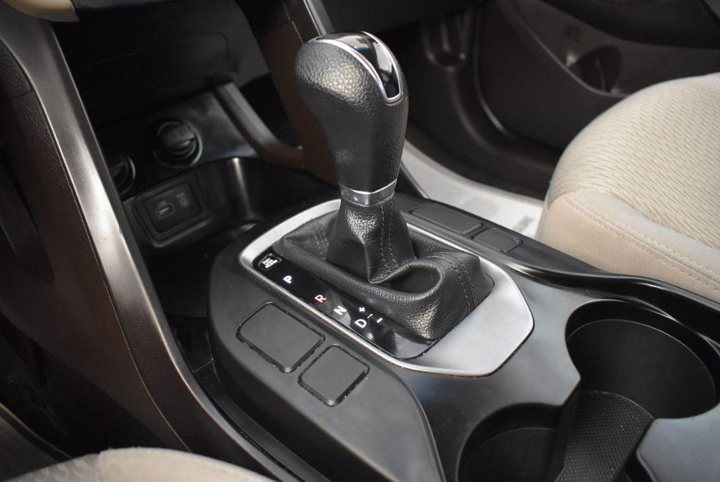 2017 Hyundai Santa Fe Sport 2.4L Automatic - 18093583 - 21
