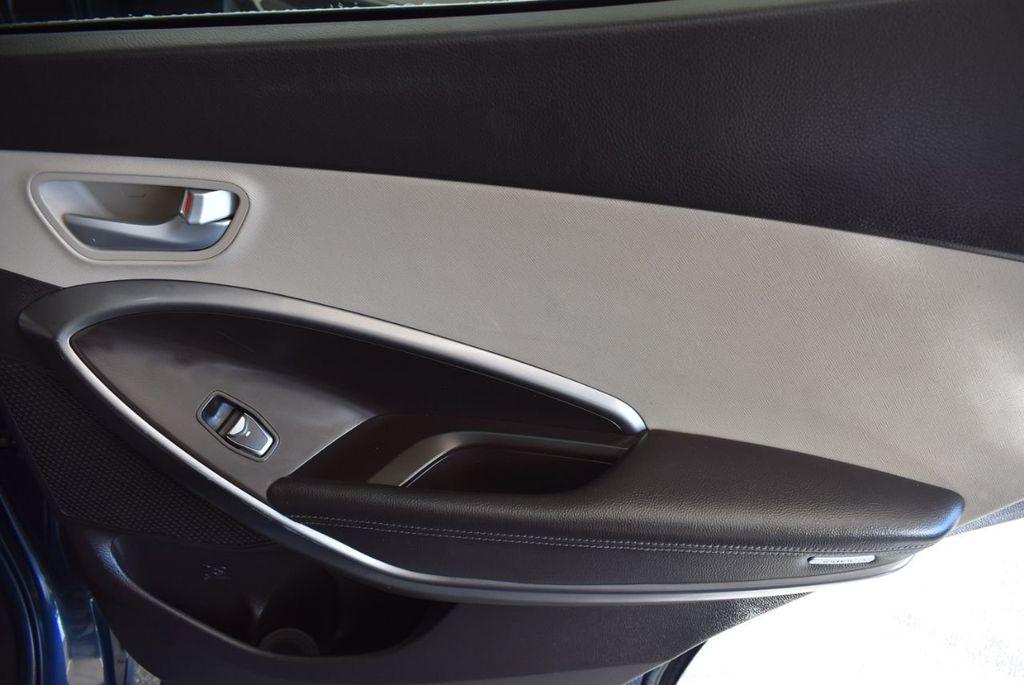 2017 Hyundai Santa Fe Sport 2.4L Automatic - 18093583 - 23
