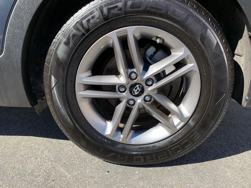 2017 Hyundai Santa Fe Sport 2.4L Automatic - 18574995 - 11