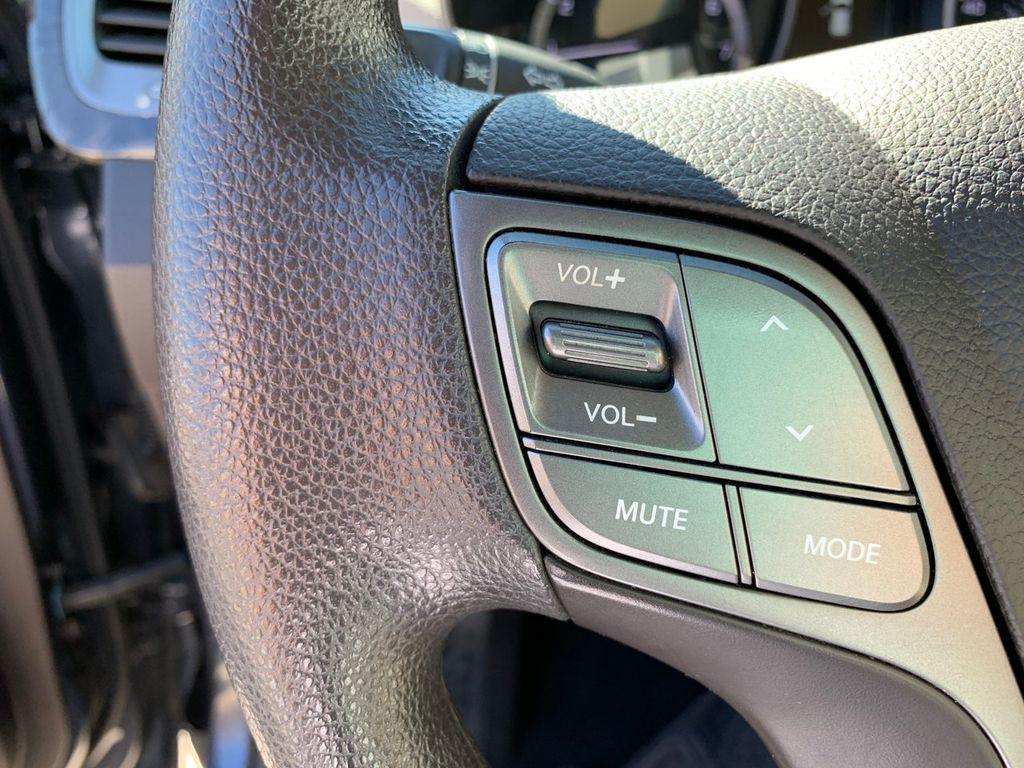 2017 Hyundai Santa Fe Sport 2.4L Automatic - 18574995 - 20