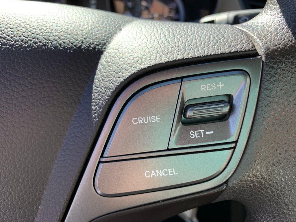 2017 Hyundai Santa Fe Sport 2.4L Automatic - 18574995 - 21