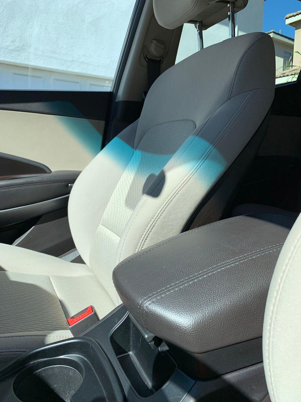 2017 Hyundai Santa Fe Sport 2.4L Automatic - 18574995 - 26
