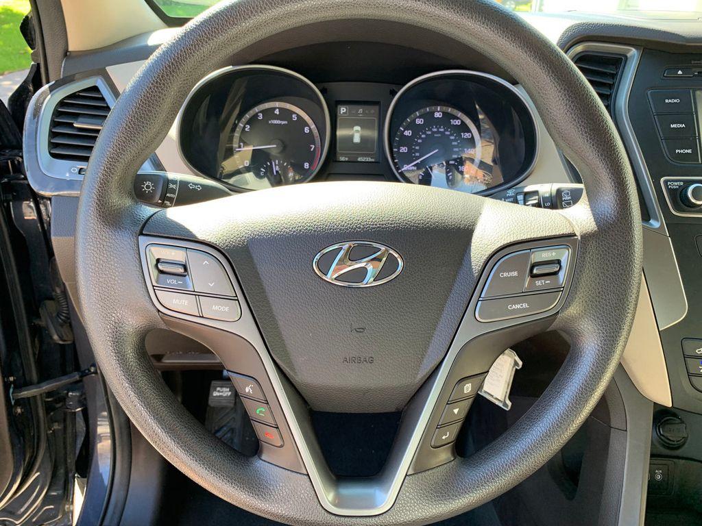 2017 Hyundai Santa Fe Sport 2.4L Automatic - 18574995 - 29