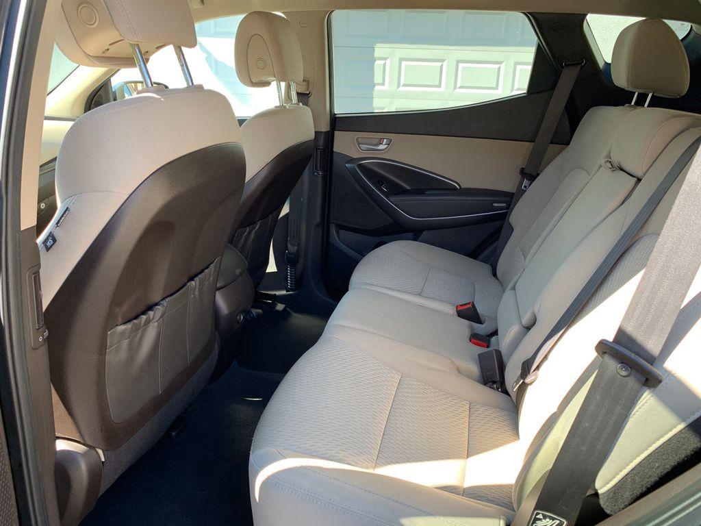 2017 Hyundai Santa Fe Sport 2.4L Automatic - 18574995 - 32