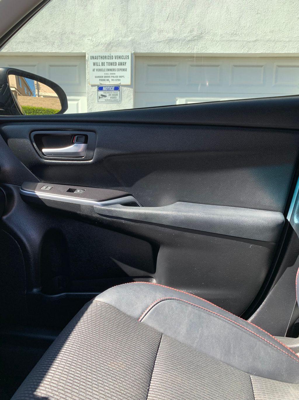 2017 Hyundai Santa Fe Sport 2.4L Automatic - 18574995 - 40