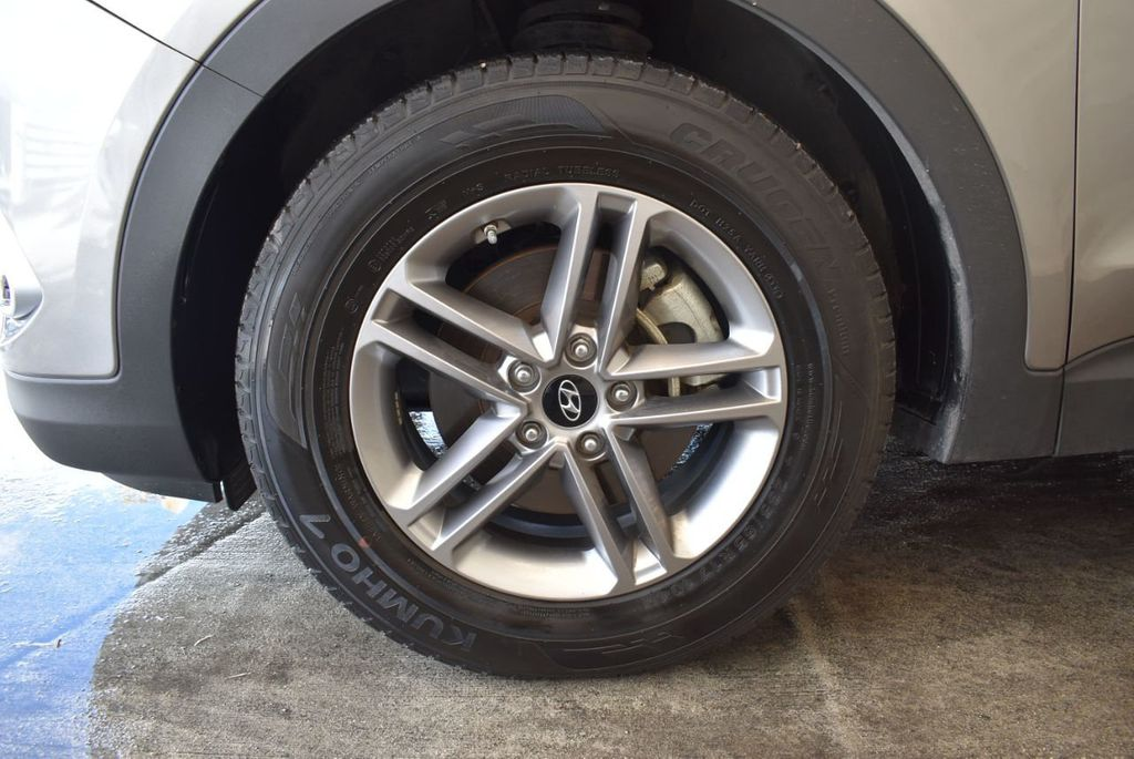 2017 Hyundai Santa Fe Sport 2.4L Automatic - 18093579 - 11