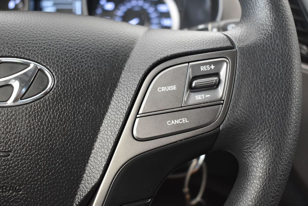 2017 Hyundai Santa Fe Sport 2.4L Automatic - 18093579 - 18