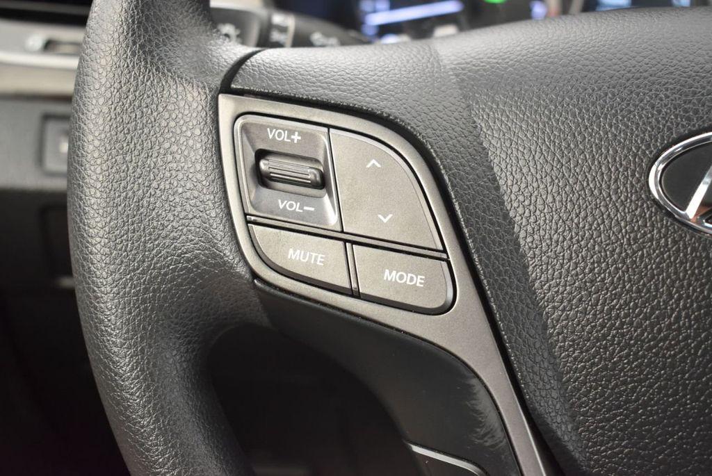 2017 Hyundai Santa Fe Sport 2.4L Automatic - 18093579 - 19