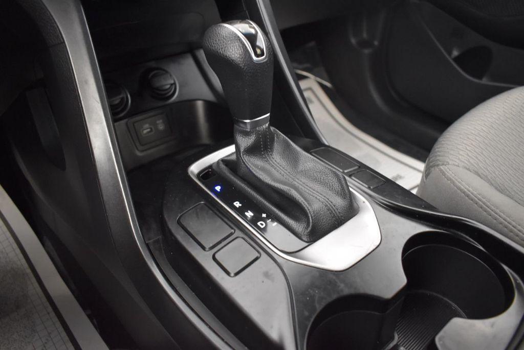 2017 Hyundai Santa Fe Sport 2.4L Automatic - 18093579 - 21