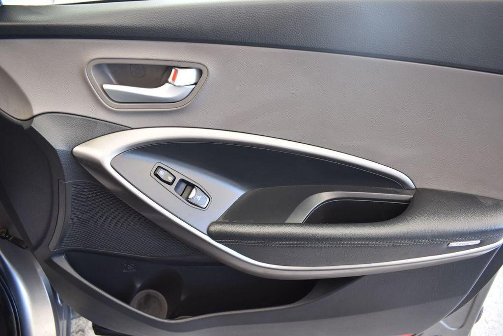 2017 Hyundai Santa Fe Sport 2.4L Automatic - 18093579 - 25