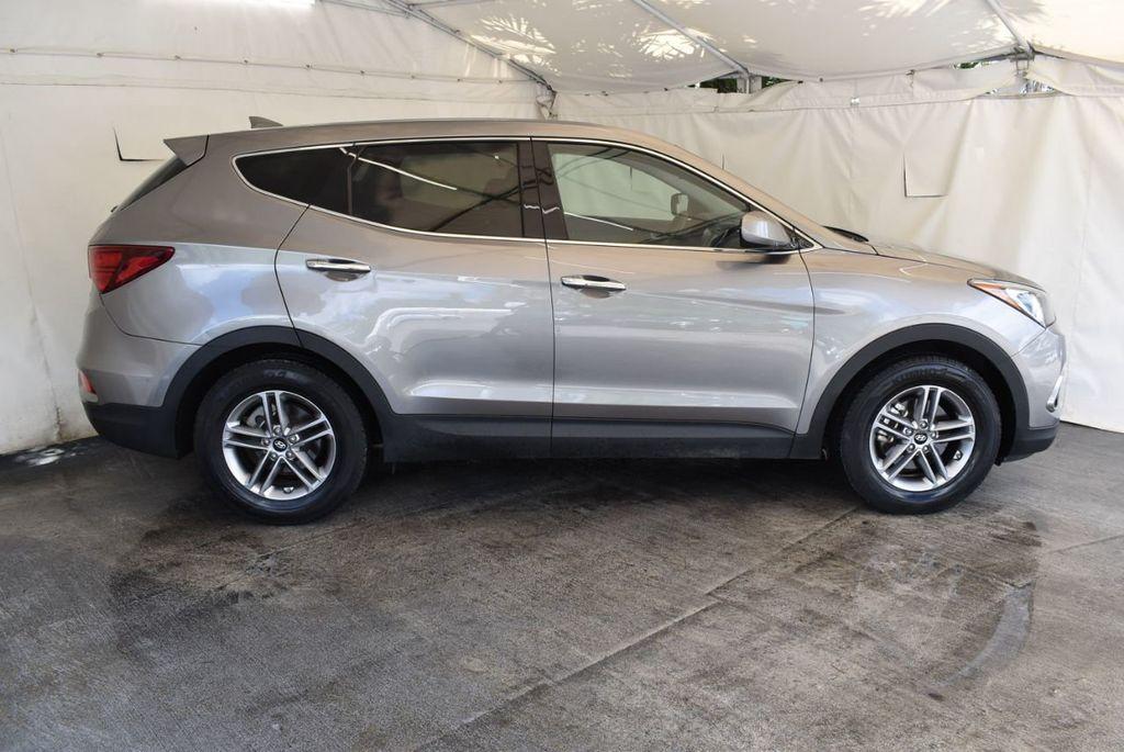 2017 Hyundai Santa Fe Sport 2.4L Automatic - 18093579 - 2
