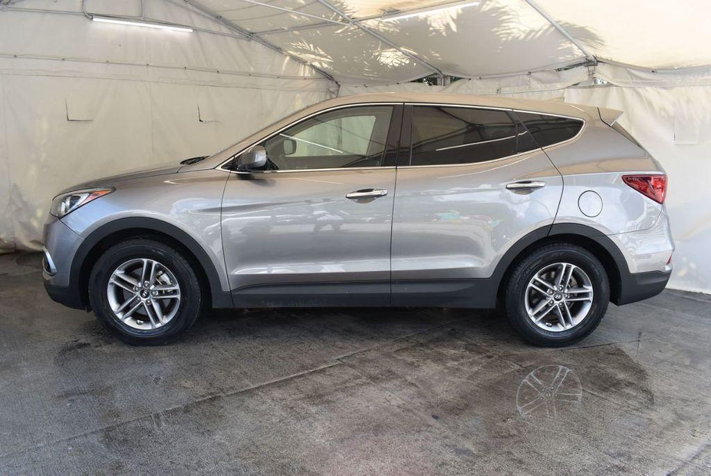 2017 Hyundai Santa Fe Sport 2.4L Automatic - 18093579 - 4