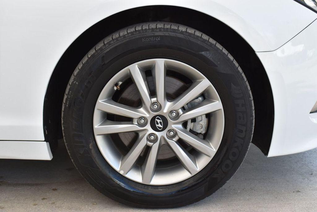2017 Hyundai Sonata  - 18712677 - 9