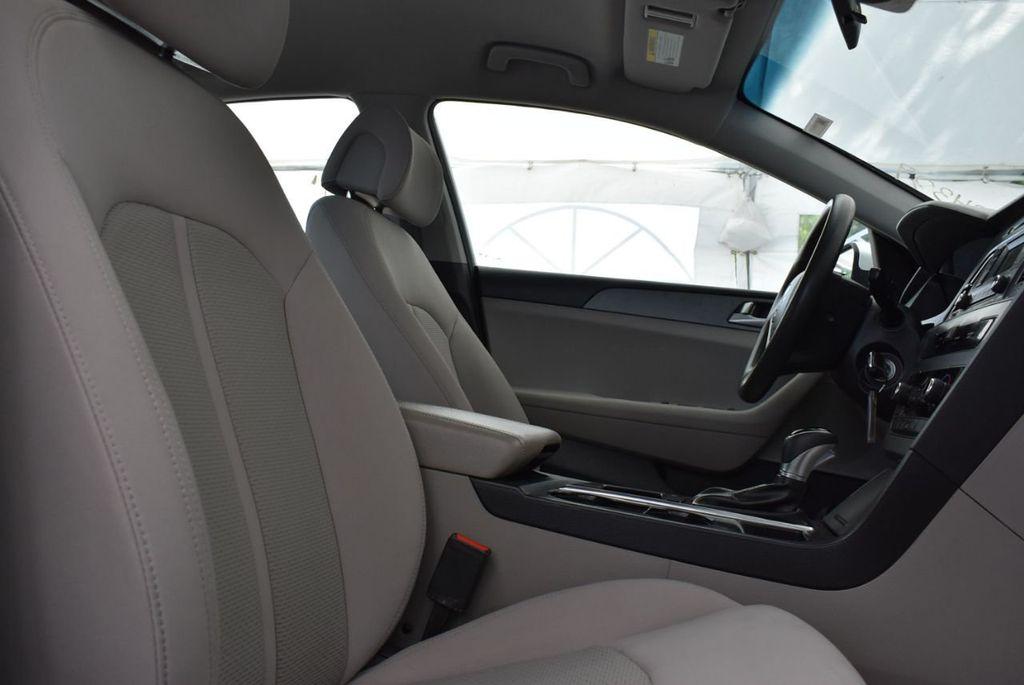 2017 Hyundai Sonata  - 18712677 - 14