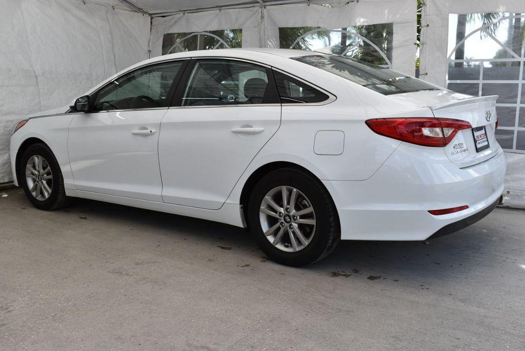 2017 Hyundai Sonata  - 18712677 - 3