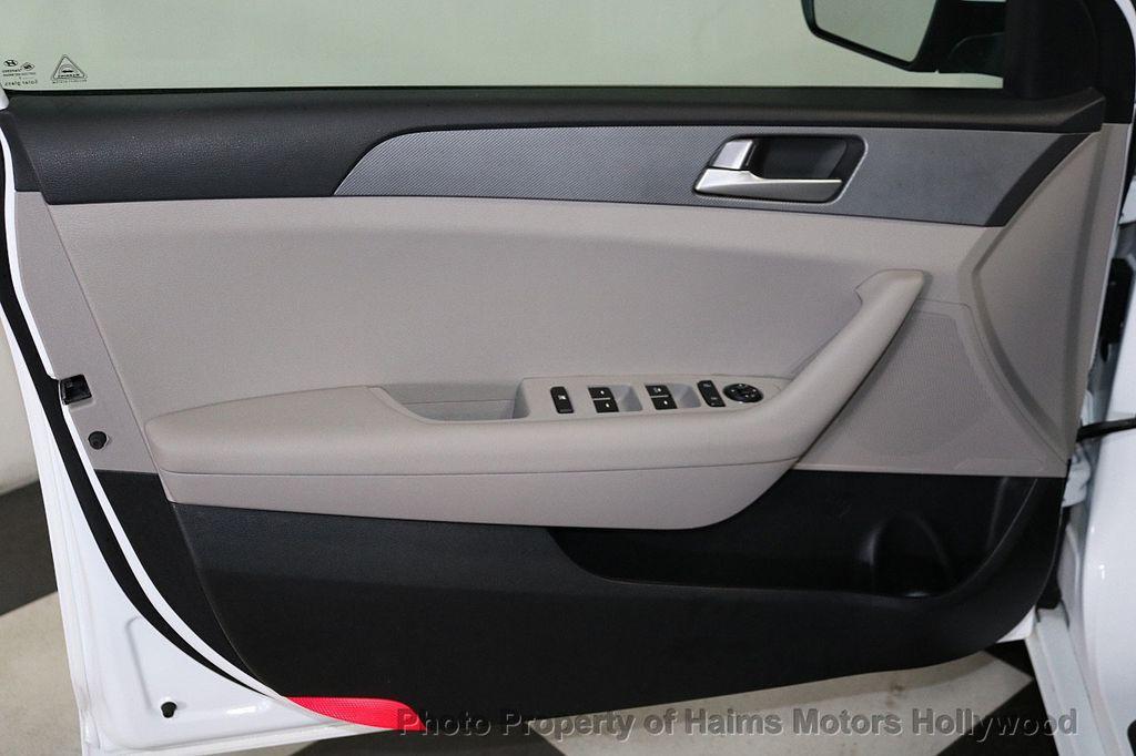 2017 Hyundai Sonata  - 18468410 - 9