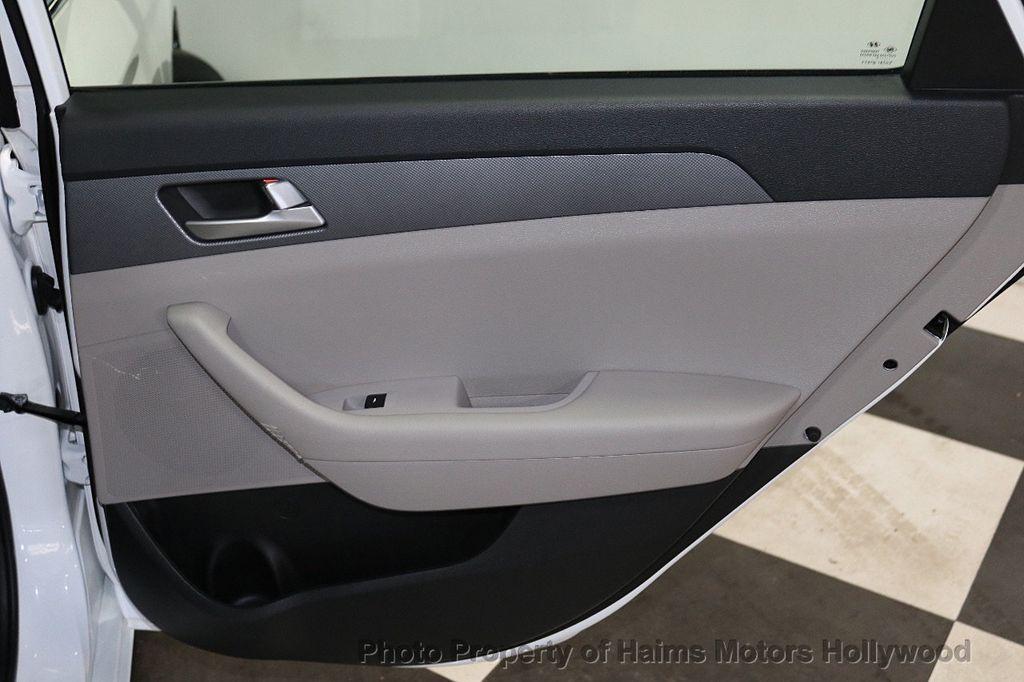 2017 Hyundai Sonata  - 18468410 - 11