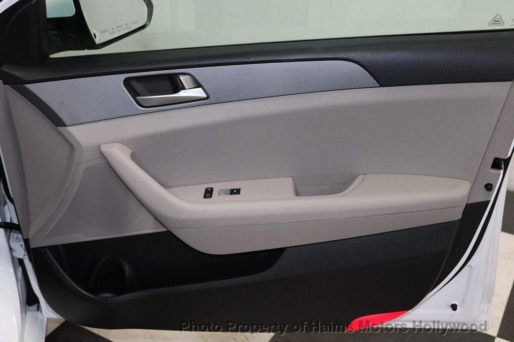2017 Hyundai Sonata  - 18468410 - 12