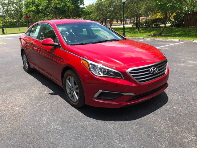 2017 Hyundai Sonata  - Click to see full-size photo viewer