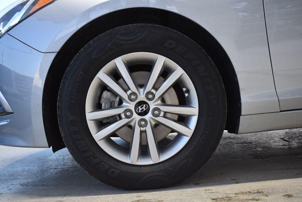 2017 Hyundai Sonata 2.4L - 18497654 - 9