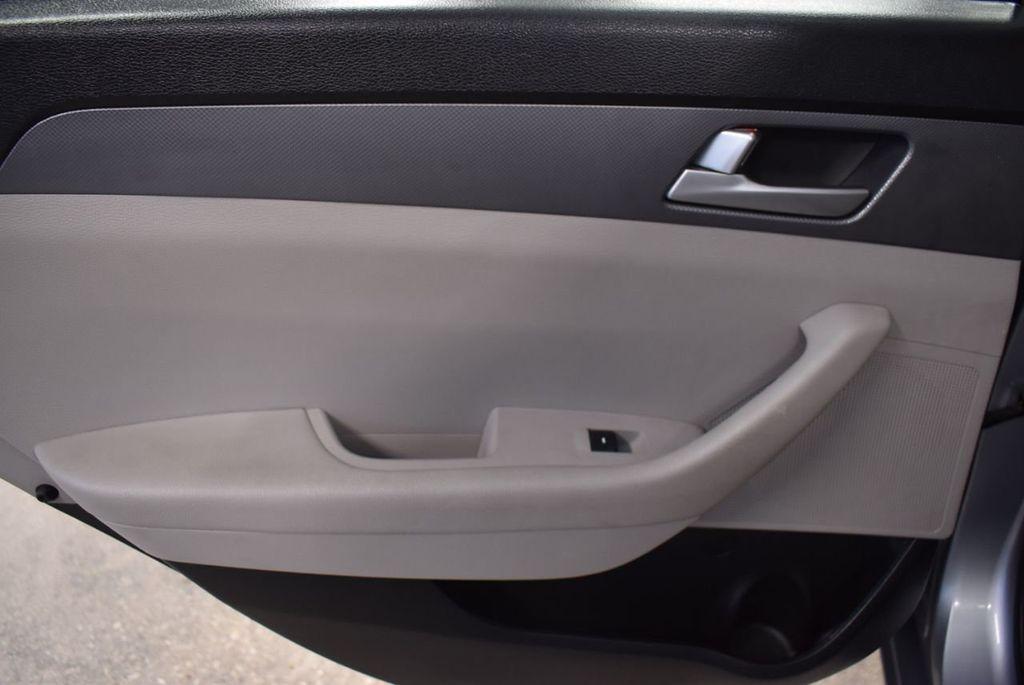 2017 Hyundai Sonata 2.4L - 18497654 - 11