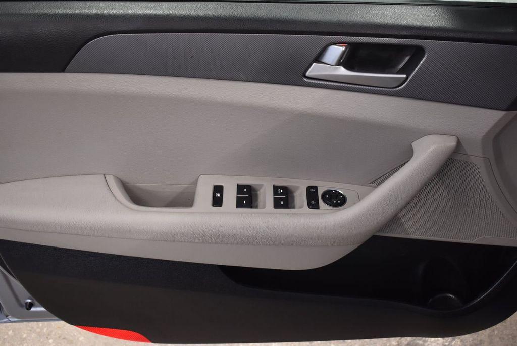 2017 Hyundai Sonata 2.4L - 18497654 - 12