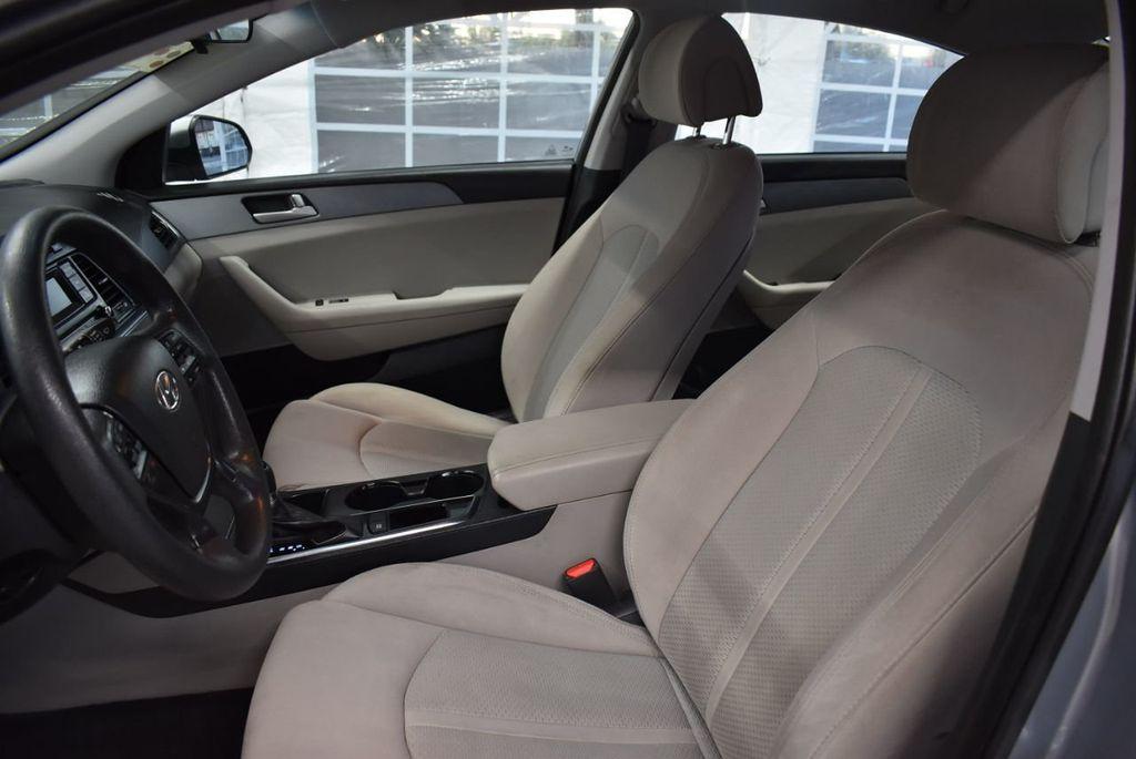 2017 Hyundai Sonata 2.4L - 18497654 - 13