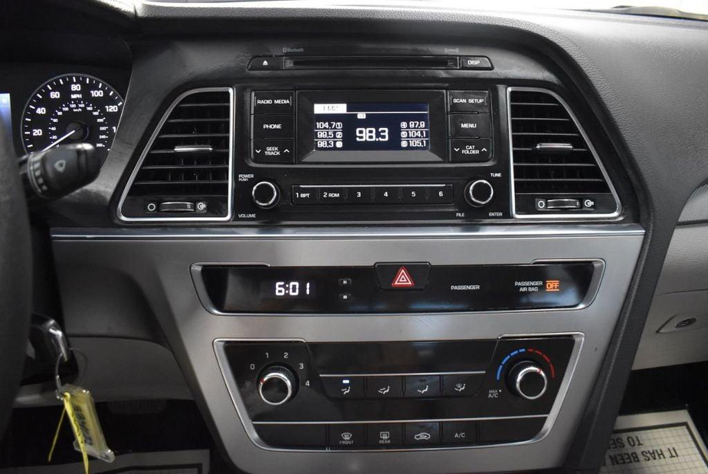2017 Hyundai Sonata 2.4L - 18497654 - 18