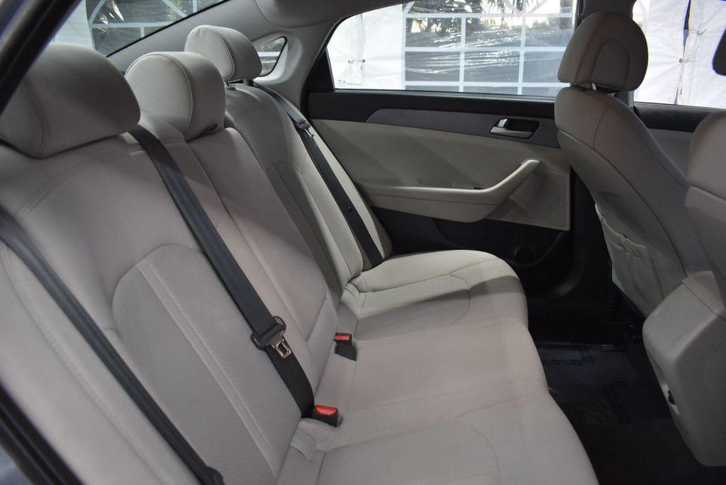 2017 Hyundai Sonata 2.4L - 18497654 - 20