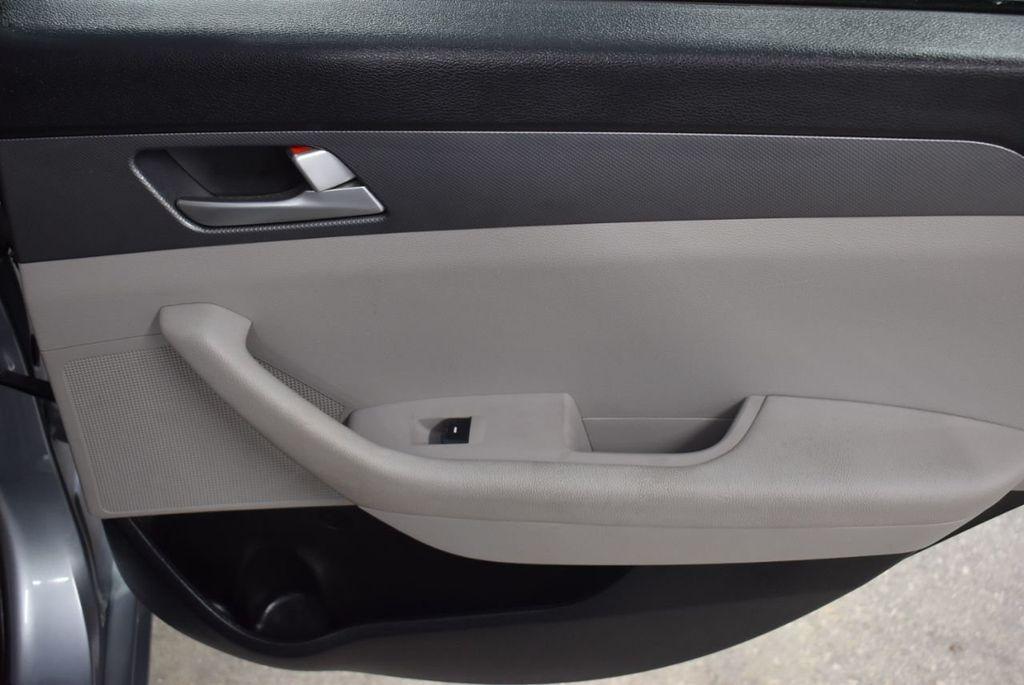2017 Hyundai Sonata 2.4L - 18497654 - 21