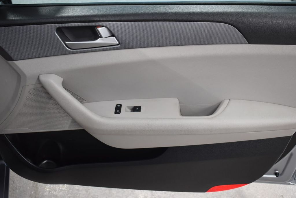 2017 Hyundai Sonata 2.4L - 18497654 - 22